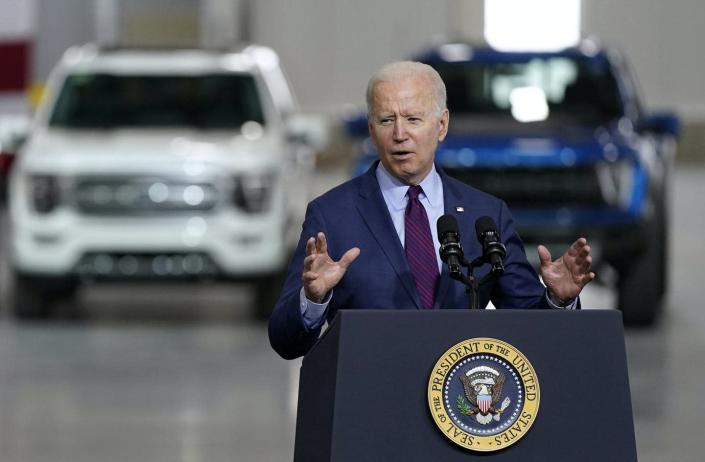 """<span class=""""caption"""">Electric vehicles and renewable energy will only get the country so far.</span> <span class=""""attribution""""><a class=""""link rapid-noclick-resp"""" href=""""https://newsroom.ap.org/detail/Biden/2585a94b39dc49628861fc442172bbfc/photo"""" rel=""""nofollow noopener"""" target=""""_blank"""" data-ylk=""""slk:AP Photos/Evan Vucci"""">AP Photos/Evan Vucci</a></span>"""