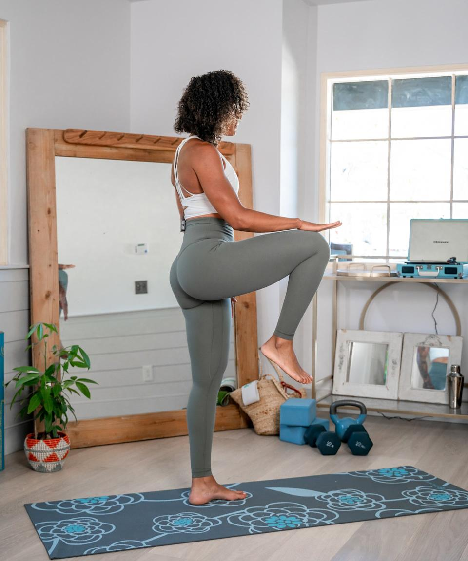 """<h2>High Knees</h2><br>Alcantara says that this is one of the best core exercises — even if it's disguised as a leg exercise. """"Start in the standing position and bring one knee to hip level, then switch your legs with power and control,"""" she says. """"Remember to keep your hips tucked and core engaged. Exhale every time you switch from one leg to the next to engage those abs.""""<br><br>Now's your chance to take a minute-long breather. Then — one more time, from the top.<span class=""""copyright"""">Photo: courtesy of Melissa Alcantara.</span>"""