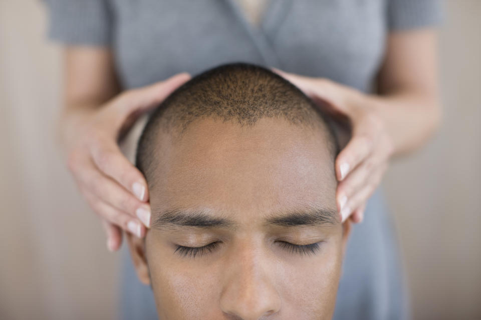Head massages help 'quieten' the brain