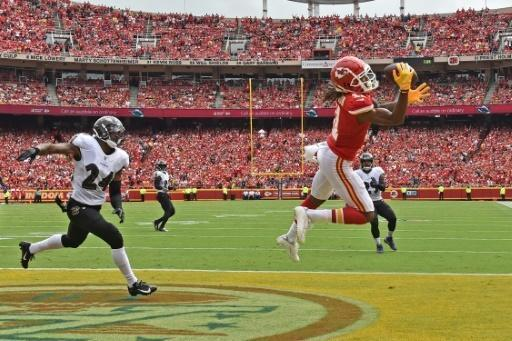 Mahomes leads unbeaten Chiefs over Ravens