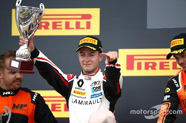 "Podio: il secondo classificato Anthoine Hubert, ART Grand Prix <span class=""copyright"">GP3 Series Media Service</span>"