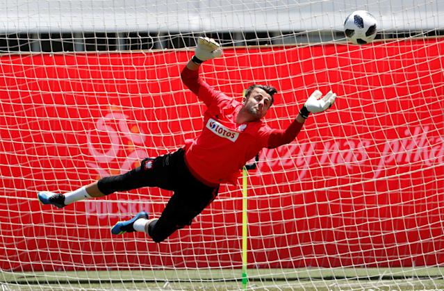Soccer Football - World Cup - Poland Training - Sochi, Russia - June 20, 2018 Poland's Lukasz Fabianski during training REUTERS/Francois Lenoir