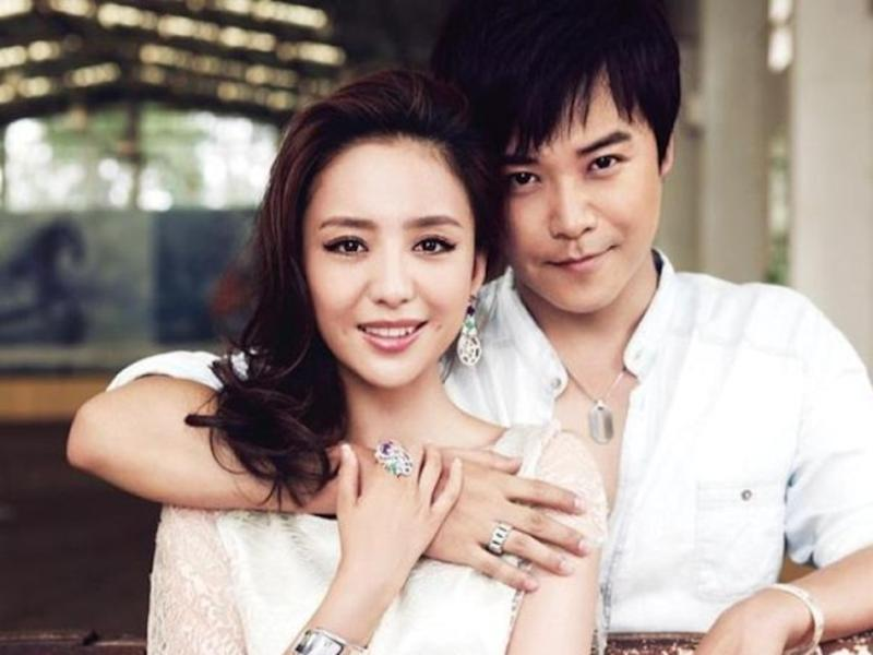 Tong Liya is filing for divorce?