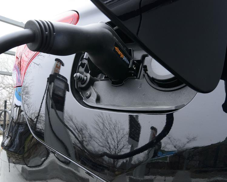 Advocates hope Ottawa expands, renews electric car rebate program