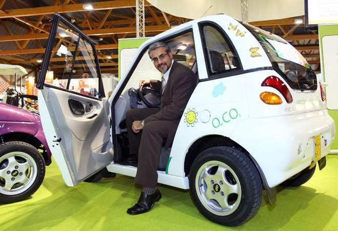 The maker of Reva, India's first electric car, Chetan Maini and Uday  Khemka's SUN Mobility has joined hands with American tech giant  Microsoft to build a smart network to effectively deploy its universal  energy infrastructure.