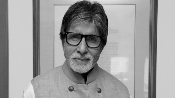 Bachchan Blogs About Bofors, Panama Before Paradise Papers Report