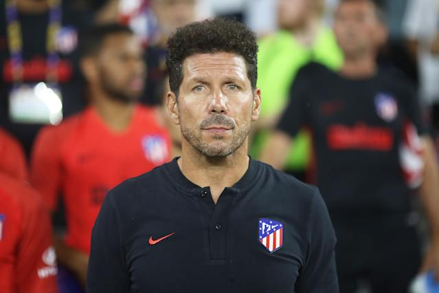 Simeone en la previa de un partido del Atlético de Madrid. (Photo by Omar Vega/Getty Images)