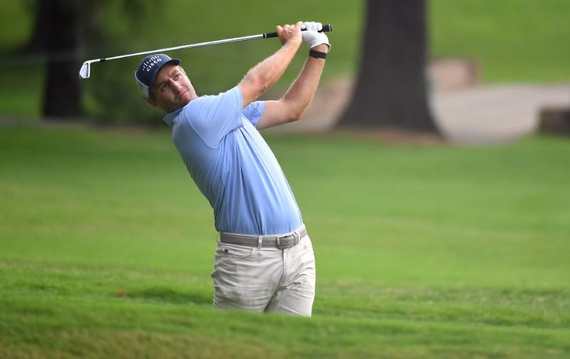 Todd grabs halfway lead in Memphis, Fowler two back