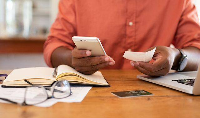 Overpayments 'rip-off' on phone contracts could cost you more than £400 a year, Which? says