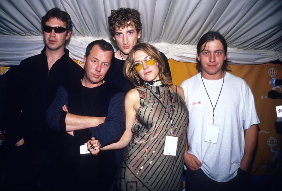 UNITED KINGDOM - JANUARY 01:  Photo of Cerys MATHEWS and CATATONIA; Posed group portrait with Cerys Matthews (2nd from right)  (Photo by Mick Hutson/Redferns)