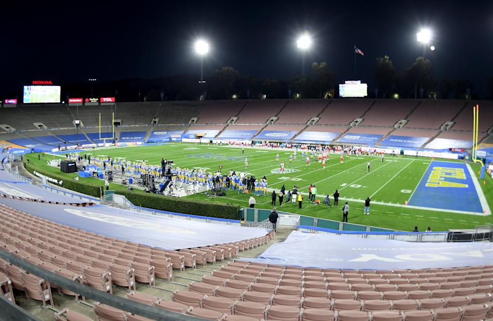 The UCLA Bruins take on the Arizona Wildcats in an empty Rose Bowl in Pasadena on Nov. 28, 2020. (Keith Birmingham/MediaNews Group/Pasadena Star-News via Getty Images)