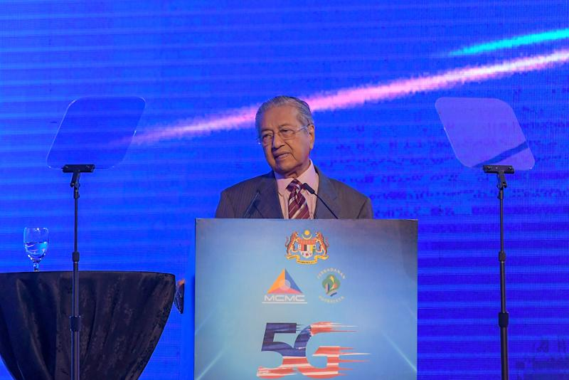 Prime Minister Tun Dr Mahathir Mohamad speaks during the launch of the 5G Showcase in Putrajaya April 18, 2019.