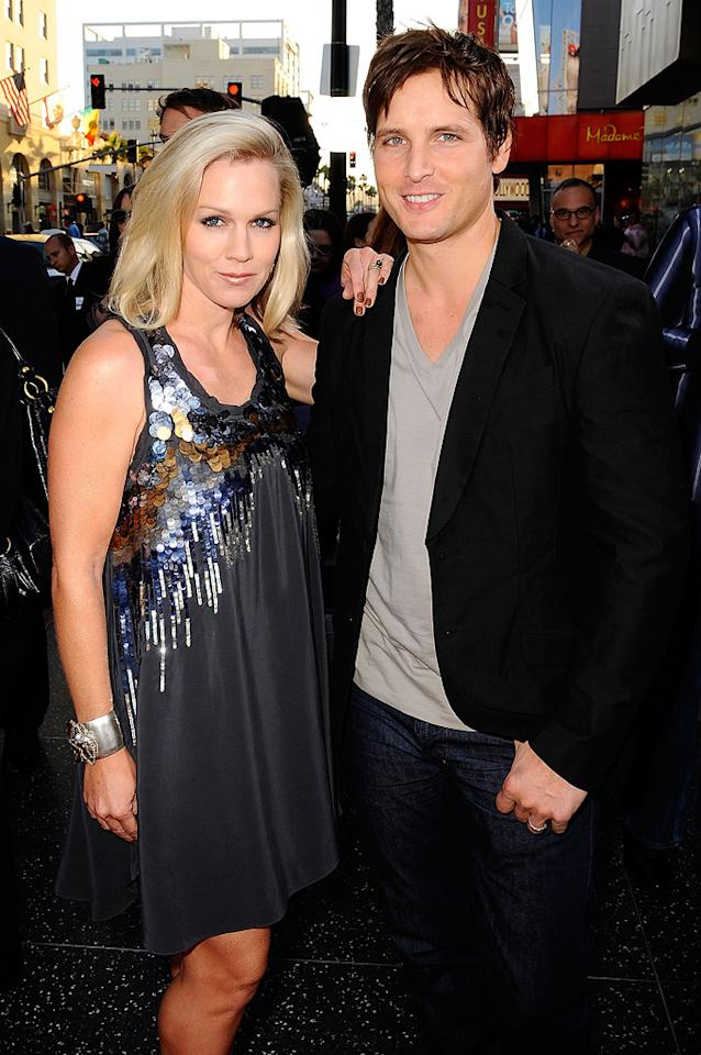 "<a href=""http://movies.yahoo.com/movie/contributor/1800164344"">Jennie Garth</a> and <a href=""http://movies.yahoo.com/movie/contributor/1800018788"">Peter Facinelli</a> at the Los Angeles premiere of <a href=""http://movies.yahoo.com/movie/1810089734/info"">Letters to Juliet</a> - 05/11/2010"