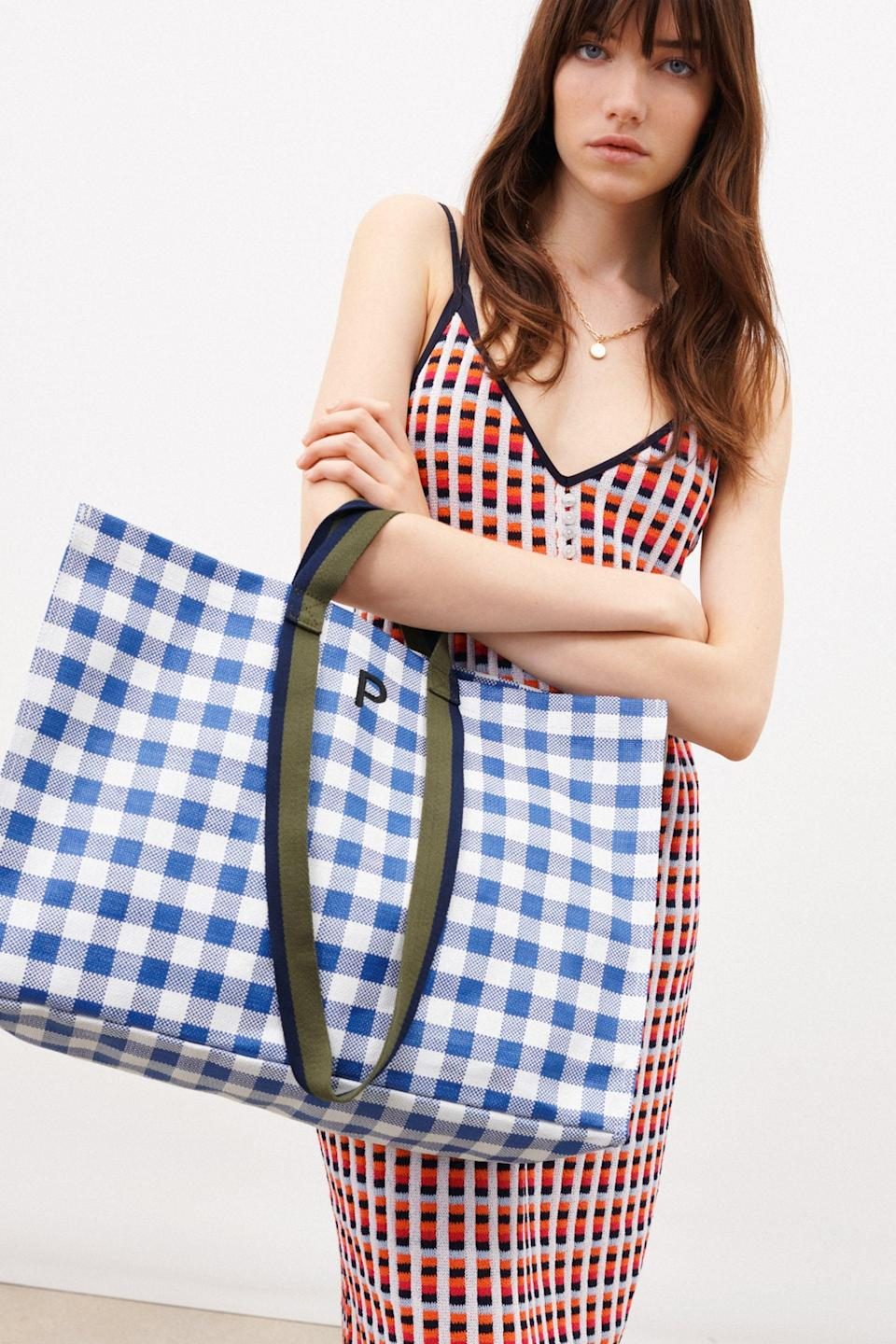 <p>This <span>Zara Personalizable Multifunctional Shopper</span> ($30) gives me picnic vibes.</p>