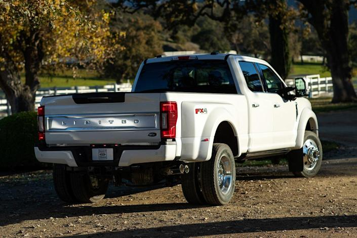 View Photos of the 2020 Ford Super Duty
