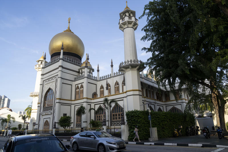 SINGAPORE, SINGAPORE - MARCH 16: General view of Masjid Sultan in Kampong Glam district on March 16, 2020 in Singapore. The mosque is one of the 10 mosques visited by confirmed Covid-19 cases after they returned from a large religious gathering from Malaysia. (Photo by Ore Huiying/Getty Images)
