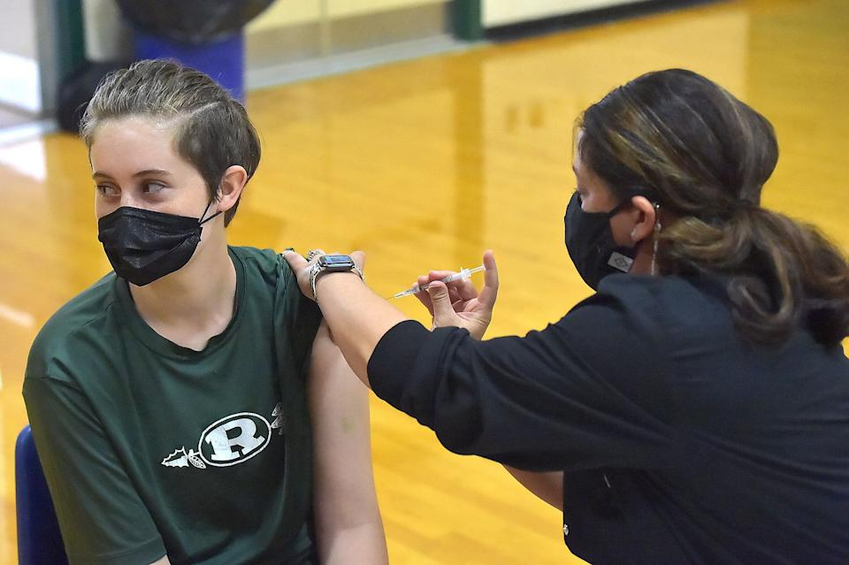 Students ages 16 to 18 and parents are given the Pfizer-BioNTech COVID-19 vaccine at Ridley High School in Folsom, Pennsylvania, on Monday. (Photo: MediaNews Group/Daily Times via Getty Images via Getty Images)