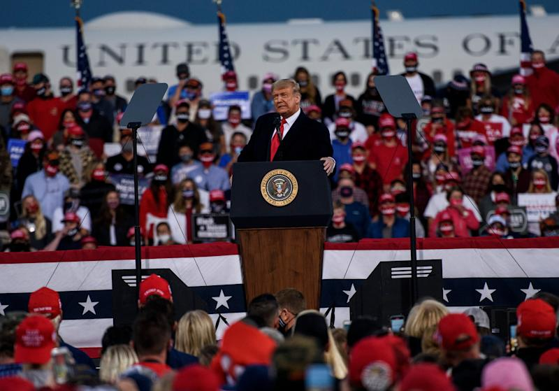 President Donald Trump addresses a crowd at the Fayetteville Regional Airport on 19 September 2020 in Fayetteville, North Carolina. ((Getty Images))