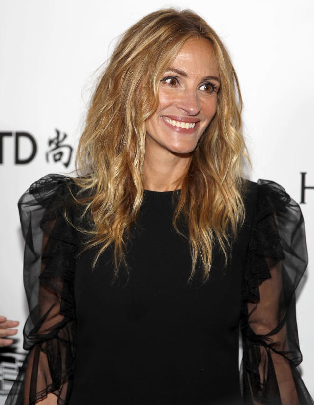 <p>Roberts's honey-hued hair can't get any sweeter. (Photo: Getty Images) </p>