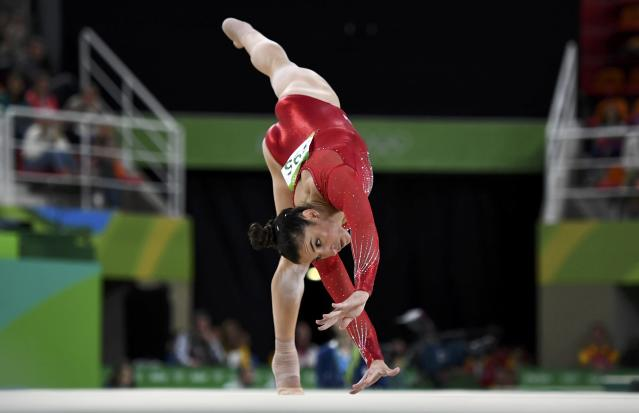 2016 Rio Olympics - Artistic Gymnastics - Final - Women's Individual All-Around Final - Rio Olympic Arena - Rio de Janeiro, Brazil - 11/08/2016. Alexandra Raisman (USA) of the U.S. competes on the floor exercise. REUTERS/Dylan Martinez FOR EDITORIAL USE ONLY. NOT FOR SALE FOR MARKETING OR ADVERTISING CAMPAIGNS.