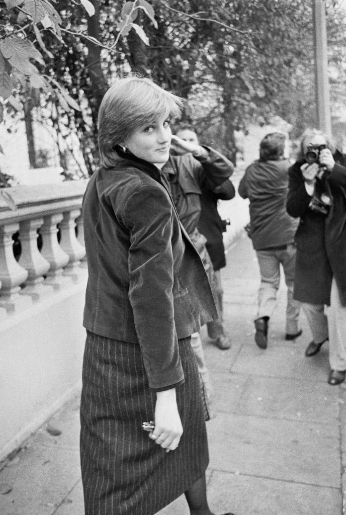 <p>Diana is hounded by photographers who are camped outside of her Kensington flat. Since she was an everyday citizen, the Palace couldn't offer any protective services. </p>