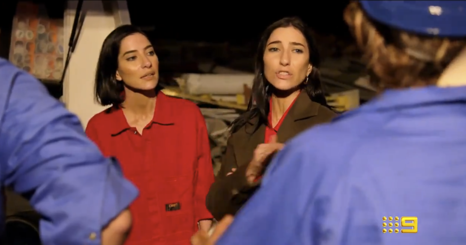 the Veronicas' Lisa and Jessica Origliasso celebrity apprentice