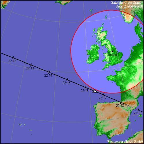 The flight path of the Crew Dragon capsule passes to the south west of the UK. The highlighted circle shows where it will be at least 10 degrees above the horizon (Heavens Above)