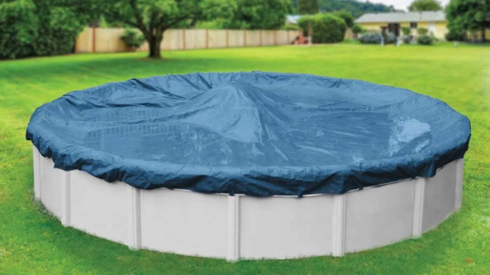 This pool cover is made from heavy duty polyethylene, so it won't fall under the pressure of ice and snow.
