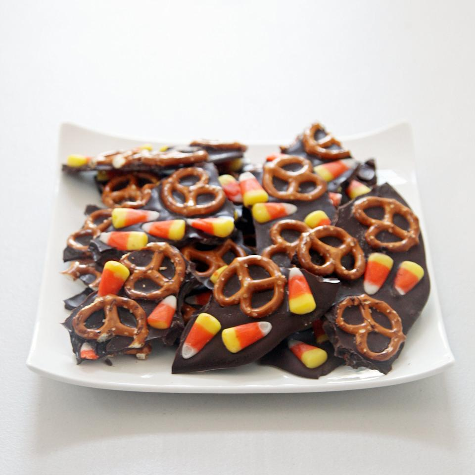 """<p>To make this even easier to make, melt the chocolate in a microwave bowl instead of over the stove. You get the same delicious result, no double boiler necessary!</p> <p><strong>Get the recipe:</strong> <a href=""""https://www.popsugar.com/food/Halloween-Bark-Recipe-11667985"""" target=""""_blank"""" class=""""ga-track"""" data-ga-category=""""Related"""" data-ga-label=""""http://www.popsugar.com/food/Halloween-Bark-Recipe-11667985"""" data-ga-action=""""In-Line Links"""">sweet and salty chocolate bark</a></p>"""