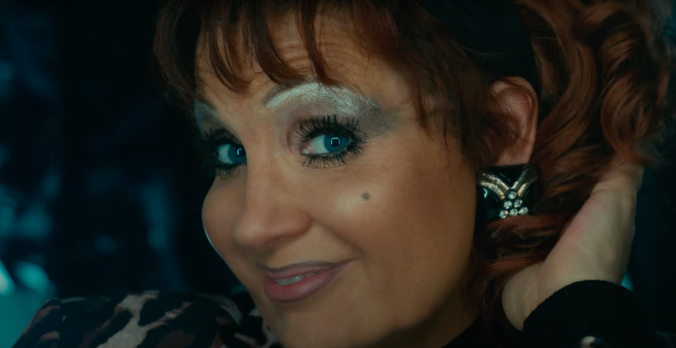 Jessica Chastain transforms into Tammy Faye (YouTube/Searchlight)