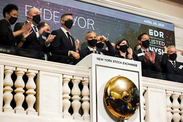 Endeavor CEO Ariel Emanuel, fourth left, rings the NYSE opening bell, to celebrate his company's IPO
