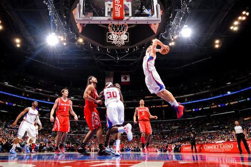LOS ANGELES, CA - MARCH 17: Blake Griffin #32 of the Los Angeles Clippers goes up for a dunk against the Houston Rockets at Staples Center on March 17, 2012 in Los Angeles, California. (Photo by Andrew D. Bernstein/NBAE via Getty Images)