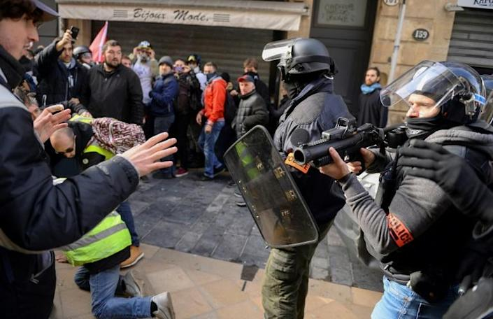 During the first two-and-a-half months of the yellow vest demonstrations that started in November 2018, the police used rubber bullets 9,228 times (AFP Photo/NICOLAS TUCAT)
