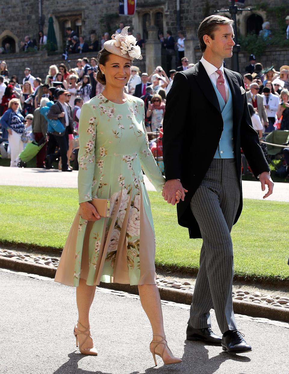 Pippa Middleton and James Matthews walk to the chapel (Picture: PA)