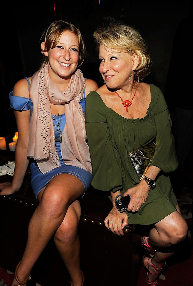 """<a href=""""http://movies.yahoo.com/movie/contributor/1800021768"""">Bette Midler</a> and daughter Sophie Frederica Alohilani at the New York City Cinema Society Screening of <a href=""""http://movies.yahoo.com/movie/1809926850/info"""">The Women</a> - 09/11/2008"""