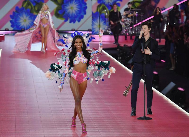 Jasmine Tookes and Shawn Mendes (Getty Images)