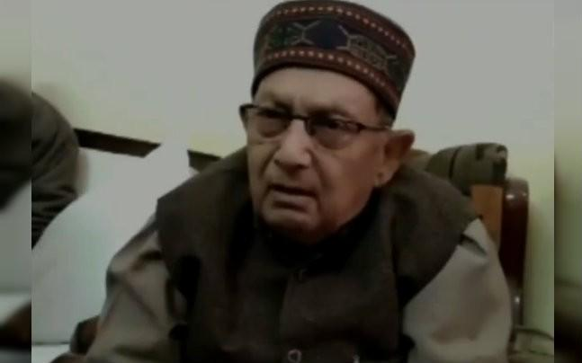 <p>BJP MP Nepal Singh sparked an outrage on Twitter when he said those in Army are bound to die. The Indian Twitterati is slamming the MP and BJP for not being able to stop their MPs from making such statements.  </p>