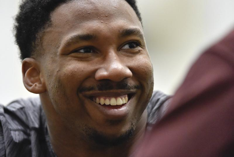 Browns sign Texas A&M's Myles Garrett, 1st overall pick