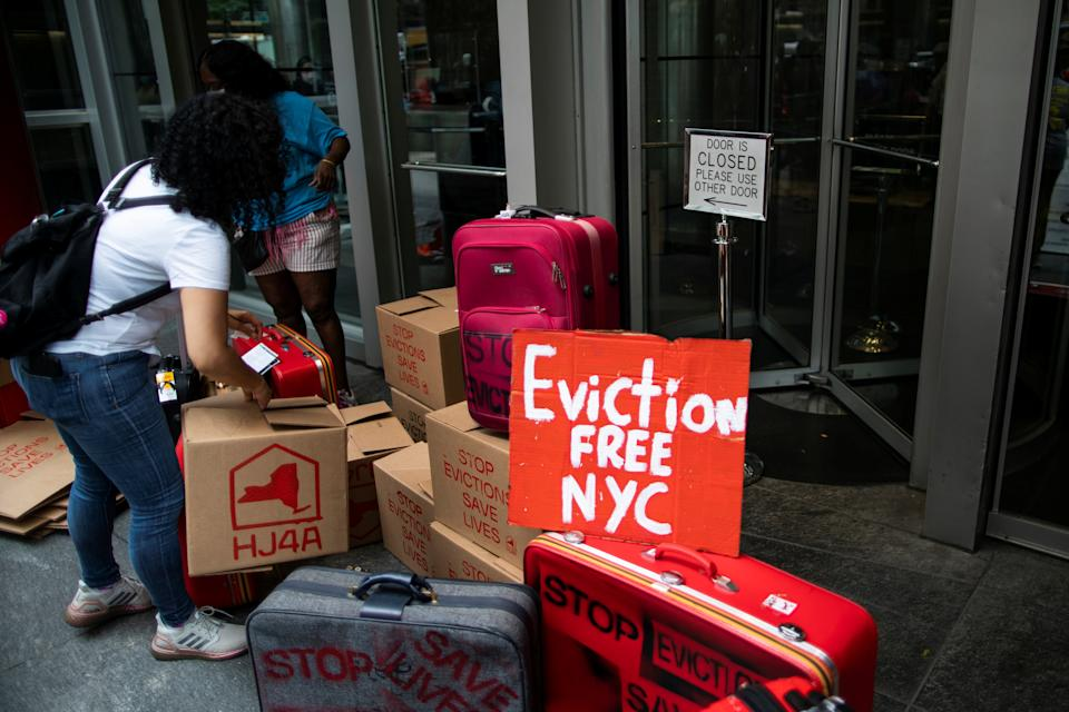 Protesters block the entrance of New York State governor Kathy Hochul's office building as they take part in a protest demanding rent relief or rent freeze in New York, U.S.,  August 31, 2021. REUTERS/Eduardo Munoz
