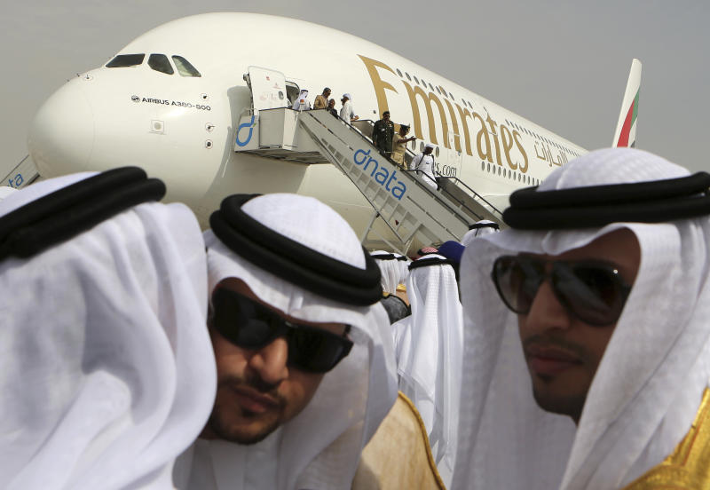 Etihad to loan pilots to competing UAE airline Emirates