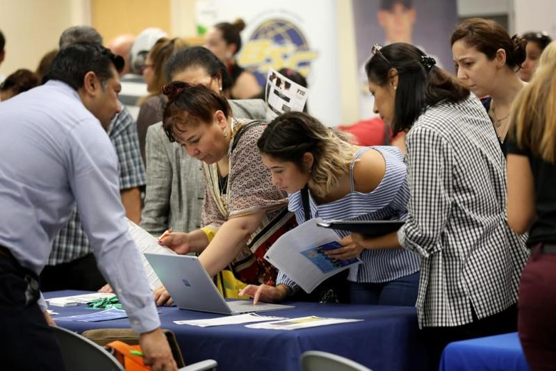 USA private hiring surges to 202,000 in December: ADP