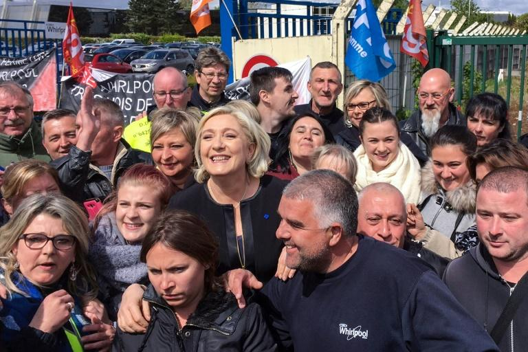Marine Le Pen was warmly received at the factory