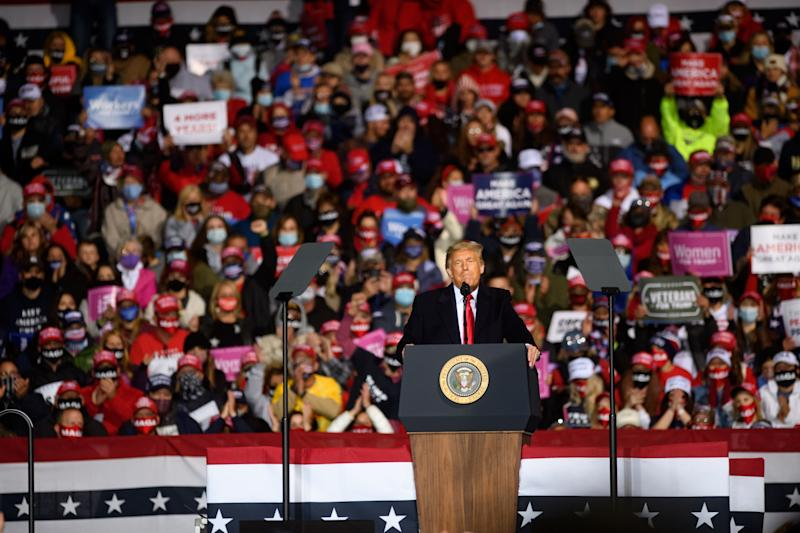 Trump bei einem Wahlkampf-Auftritt in Johnstown im Bundesstaat Pennsylvania am 13.Oktober 2020 (Bild: Jeff Swensen/Getty Images)
