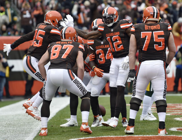 Josh Gordon (12) is back, and in the end zone, too. (AP)