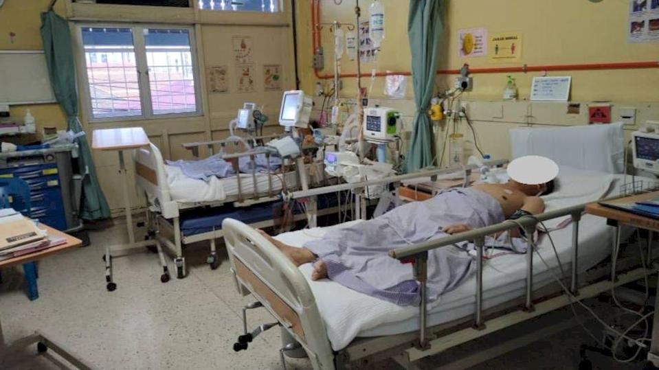 The Health Ministry released photos of intensive care units (ICUs) treating Covid-19 patients. — Picture via Facebook/kementeriankesihatanmalaysia/