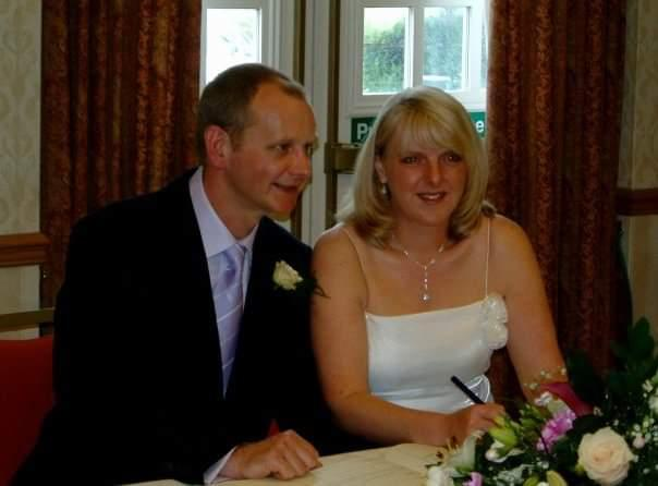 Louise and Mark at their wedding. (supplied Louise Warneford)