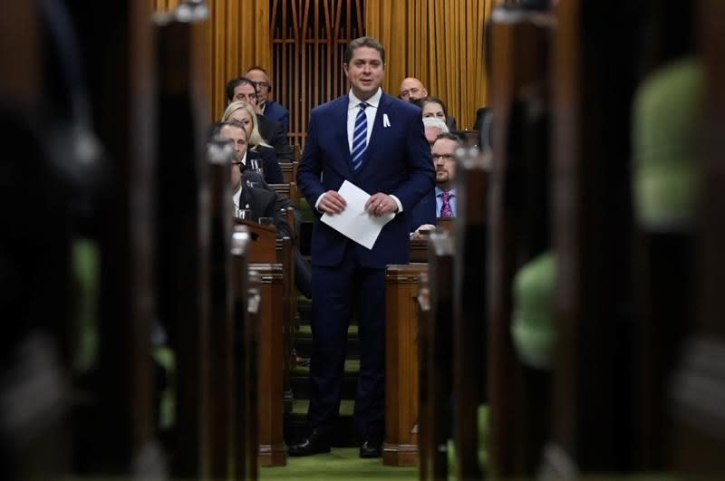 Scheer isolated as lone champion of energy sector, foe of carbon tax