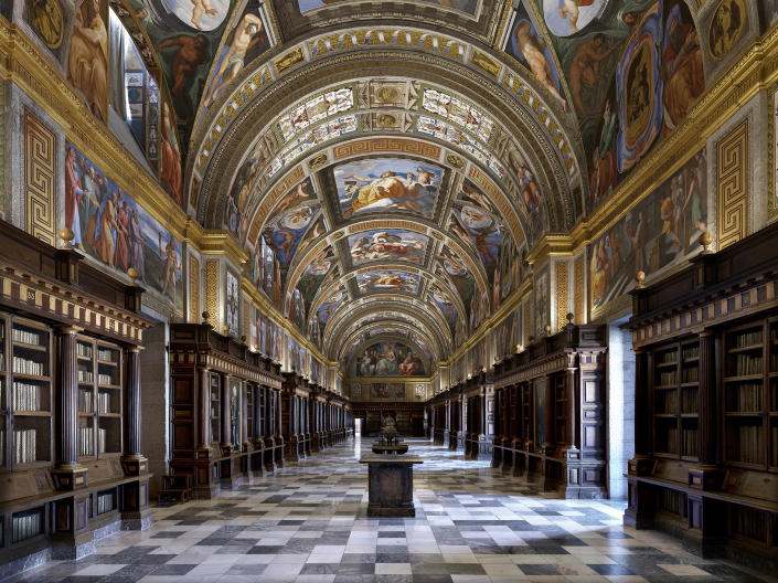 <p>El Escorial Library in Madrid, Spain. (Photo: Massimo Listri/Caters News) </p>