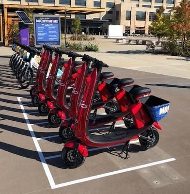 V2 OjO scooters in Memphis (CNW Group/OjO Electric Corp.)