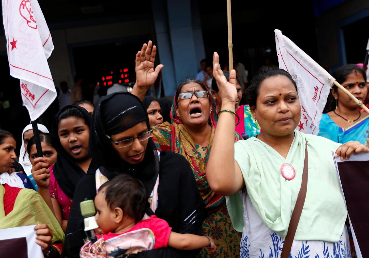 People shout slogans as they attend a protest against what they say are attacks on India's low-caste Dalit community in Mumbai, India, July 27, 2016. REUTERS/Danish Siddiqui